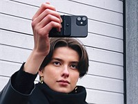 Kickstarter: Fjorden grip for iPhone adds physical camera controls to your smartphone