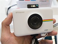 Polaroid puts Snap Touch digital instant camera on display