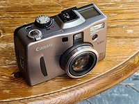Retro Review: Gordon Laing tests out Canon's 21-year-old PowerShot G1 camera