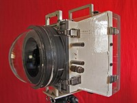 Intense underwater 8x10 camera pops up on eBay for $5,800