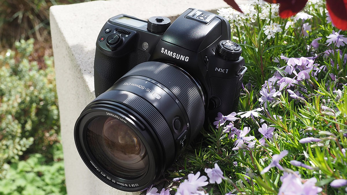 Samsung NX1 firmware 1 40 adds digital video IS and AF while