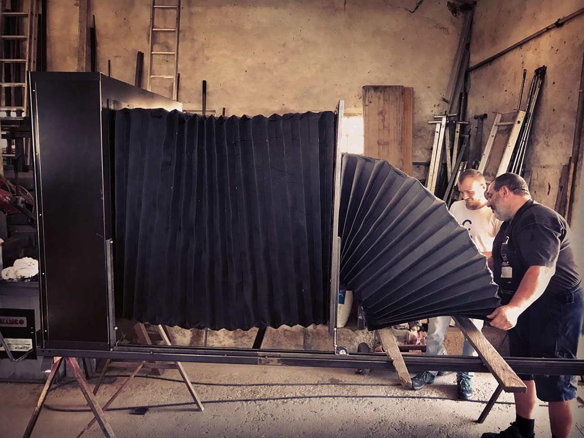 DIY large format camera 'Bertha' shoots massive 1.1 x 1.1-meter slides