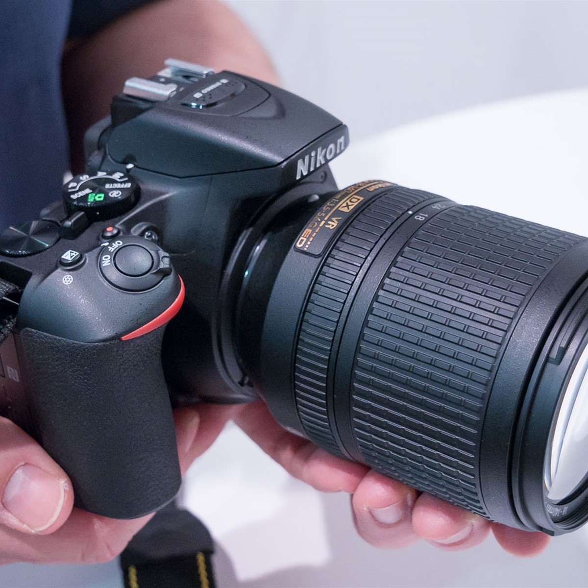 13c04aa7333 CES 2017  Hands-on with Nikon D5600  Digital Photography Review