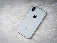iPhone X bug lets hackers steal deleted photos