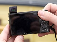 Video: Sony Cyber-shot DSC-RX100 VII first look
