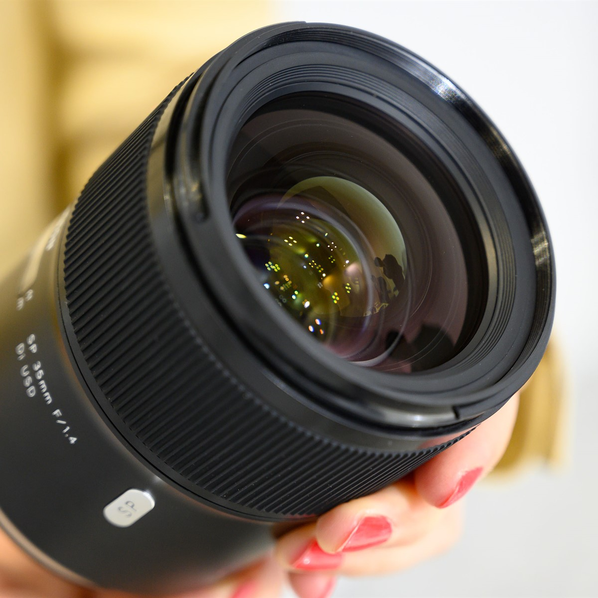 Tamron issues compatibility notices for lenses adapted to Canon