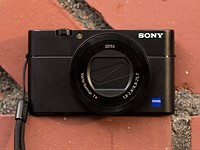 Sony replaces RX100 V with RX100 VA, bringing RX100 VI processor and firmware