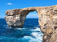 Malta's Azure Window, a photographer favorite, collapses in storm