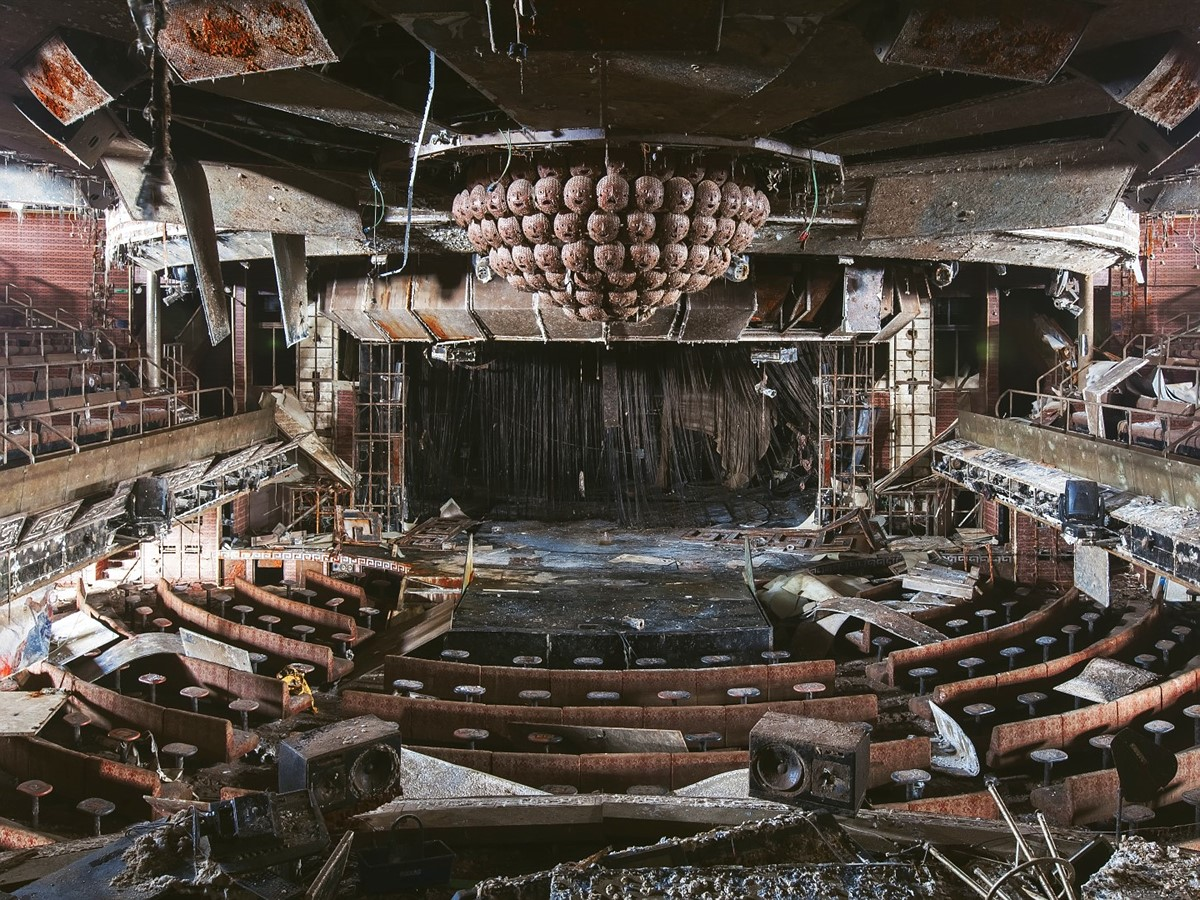 Haunting Photos From Inside The Wrecked Cruise Ship Costa Concordia Digital Photography Review