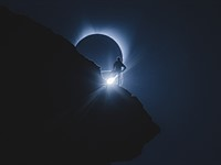 How the viral 'climber eclipse' photos were shot