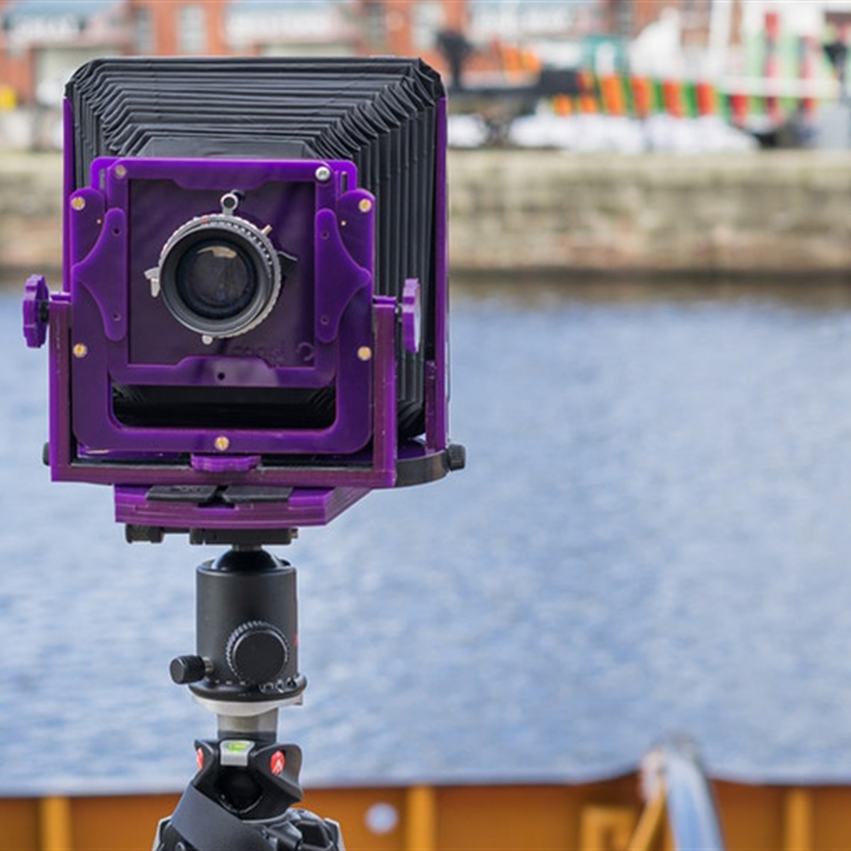 The Chroma is a lightweight, affordable, easy-to-use 5x4 field