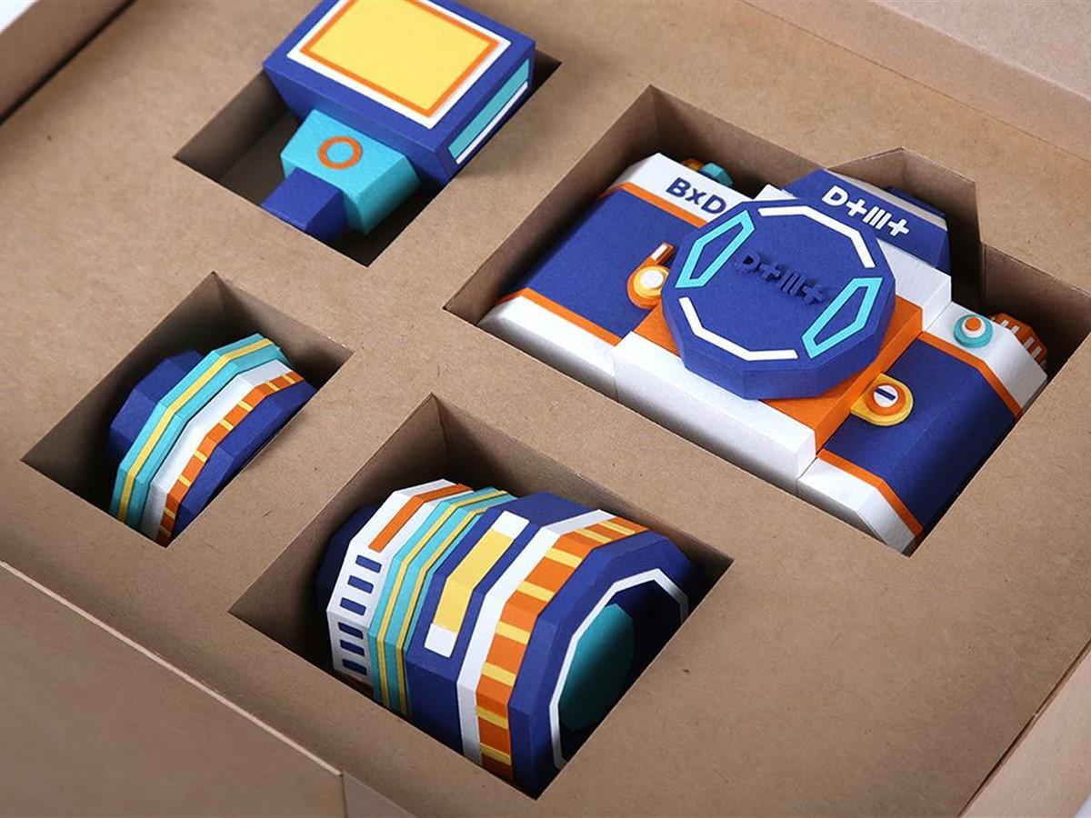 DOTMOT Paper Camera project precisely replicates DSLR camera, lens and flash