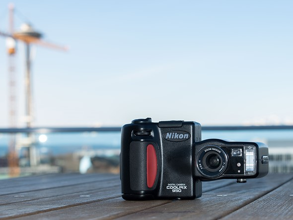 throwback thursday doing the twist with the nikon coolpix 950 rh dpreview com Nikon Coolpix Digital Camera Manual Nikon Coolpix Digital Camera Manual