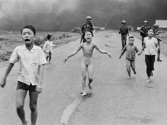 https://4.img-dpreview.com/files/p/E~TC4x3S590x0~articles/4253773469/facebook-norway-napalm-girl-01.jpeg