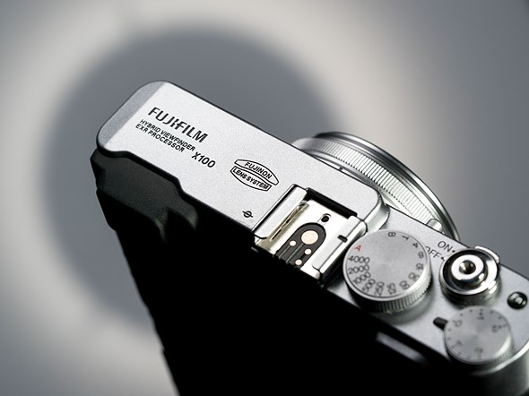 Throwback Thursday: Fujifilm X100: Digital Photography Review