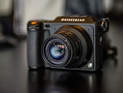 Hasselblad unveils XPan lens adapter for the mirrorless medium format X1D 5