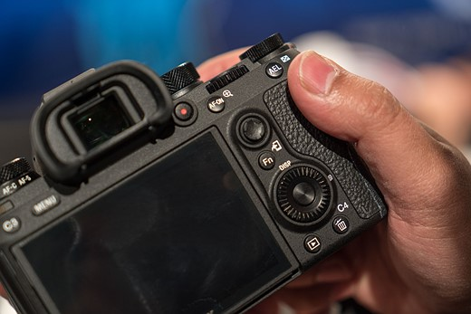 Hands-on with the Sony Alpha a9 6
