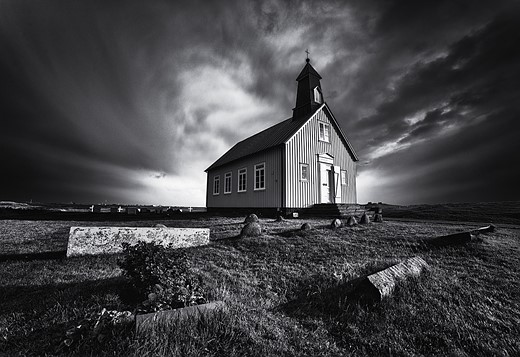 In praise of shooting monochrome landscapes 4
