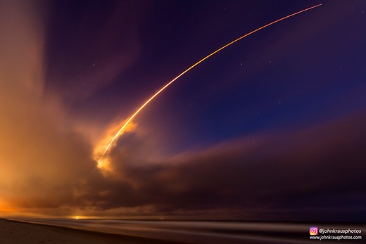 Looking up: Sixteen-year-old John Kraus is a rocket launch photographer 3