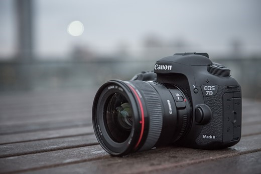 take two canon eos 7d mark ii review digital photography. Black Bedroom Furniture Sets. Home Design Ideas