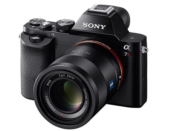 2013: Sony a7/R