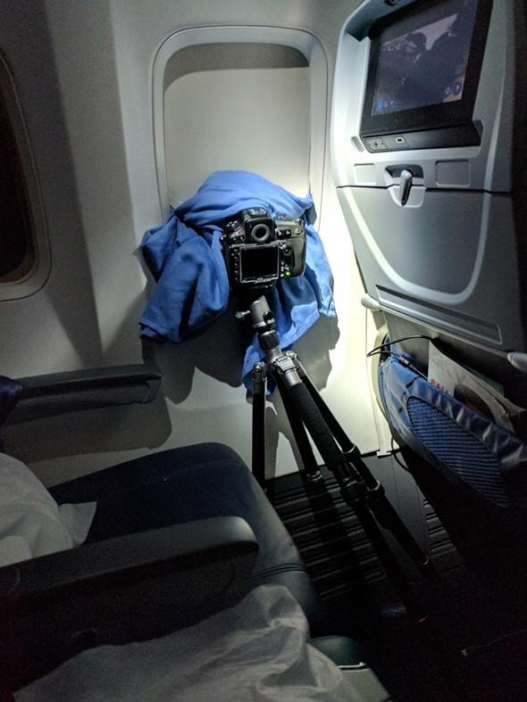 Photographer captures stunning Aurora Borealis time-lapse from airplane