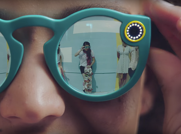 Snapchat unveils Spectactles, a pair of sunglasses with an integrated camera 1