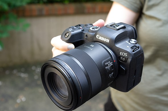 Hands-on with Canon's new RF85mm F2 Macro IS STM