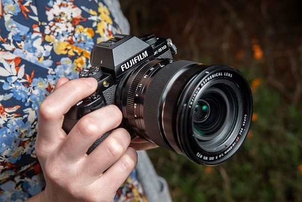 Hands-on with the Fujifilm X-S10