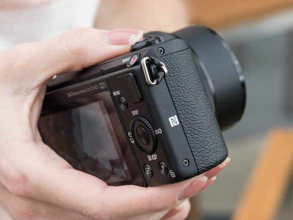 Hands-on with the Sony Alpha a5100