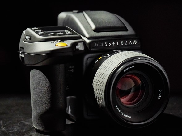 Hands-on with the Hasselblad H6D