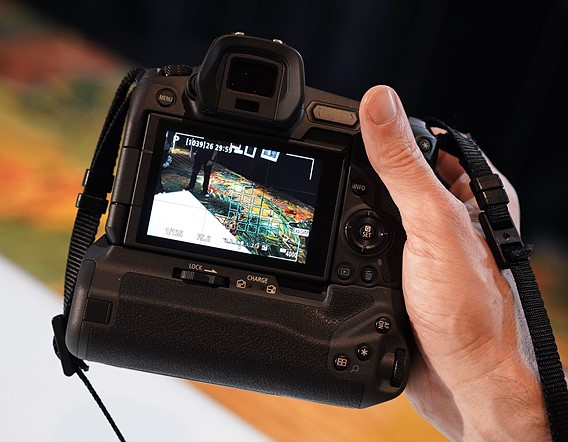 5,655-position Dual Pixel CMOS AF