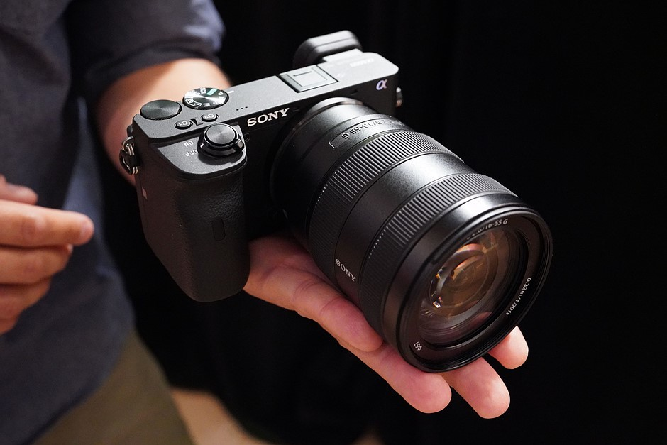 Hands on with the Sony a6600 and a6100