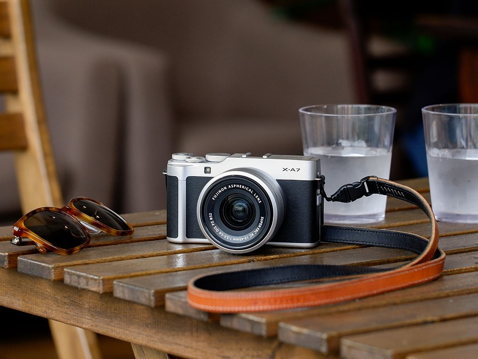 Fujifilm reveals X-A7 with improved AF, 4K/30p video and $700 price tag