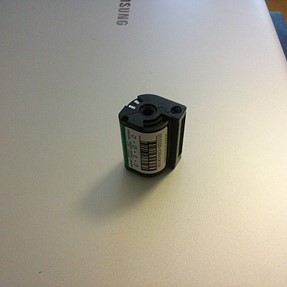 How to retrieve 35mm film from cannister?