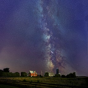 Last night's Milky Way near my place in rural west Ottawa