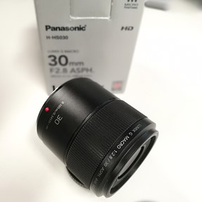 Panasonic 30/2.8 Macro (MFT)