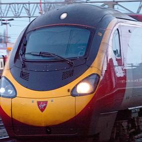 RX100M6, speeding trains