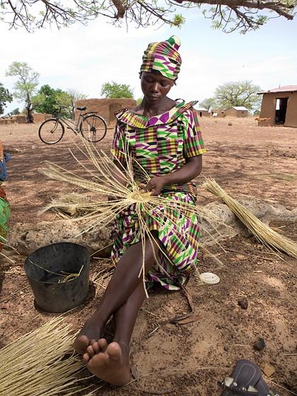 Basket Weaving Ghana : Basket weaving in northern ghana shot with e olympus