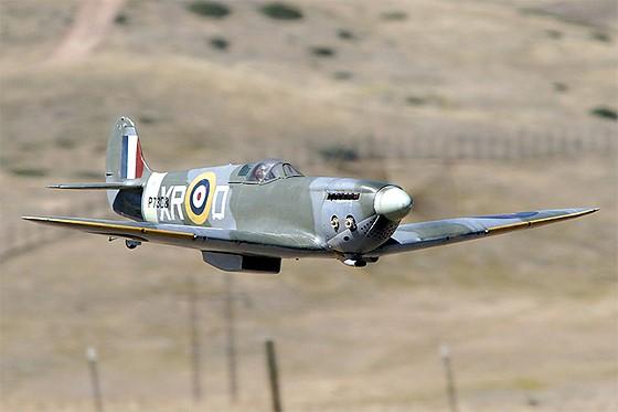 Propeller driven aircraft and prop blur        : Canon Rebel