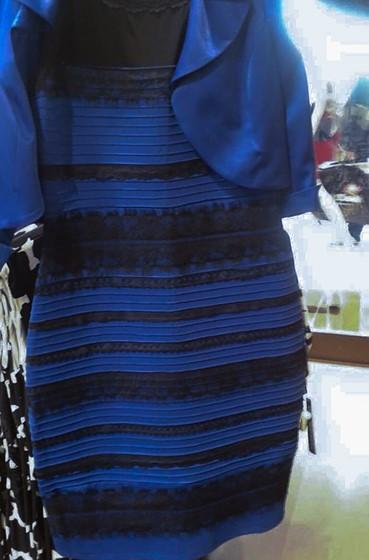 Белое или синее платье в чем прикол