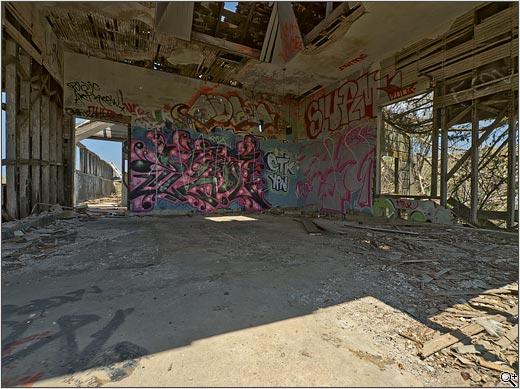 0805E3_5202169_1_GraffitiHouse_HDREx-001.jpg