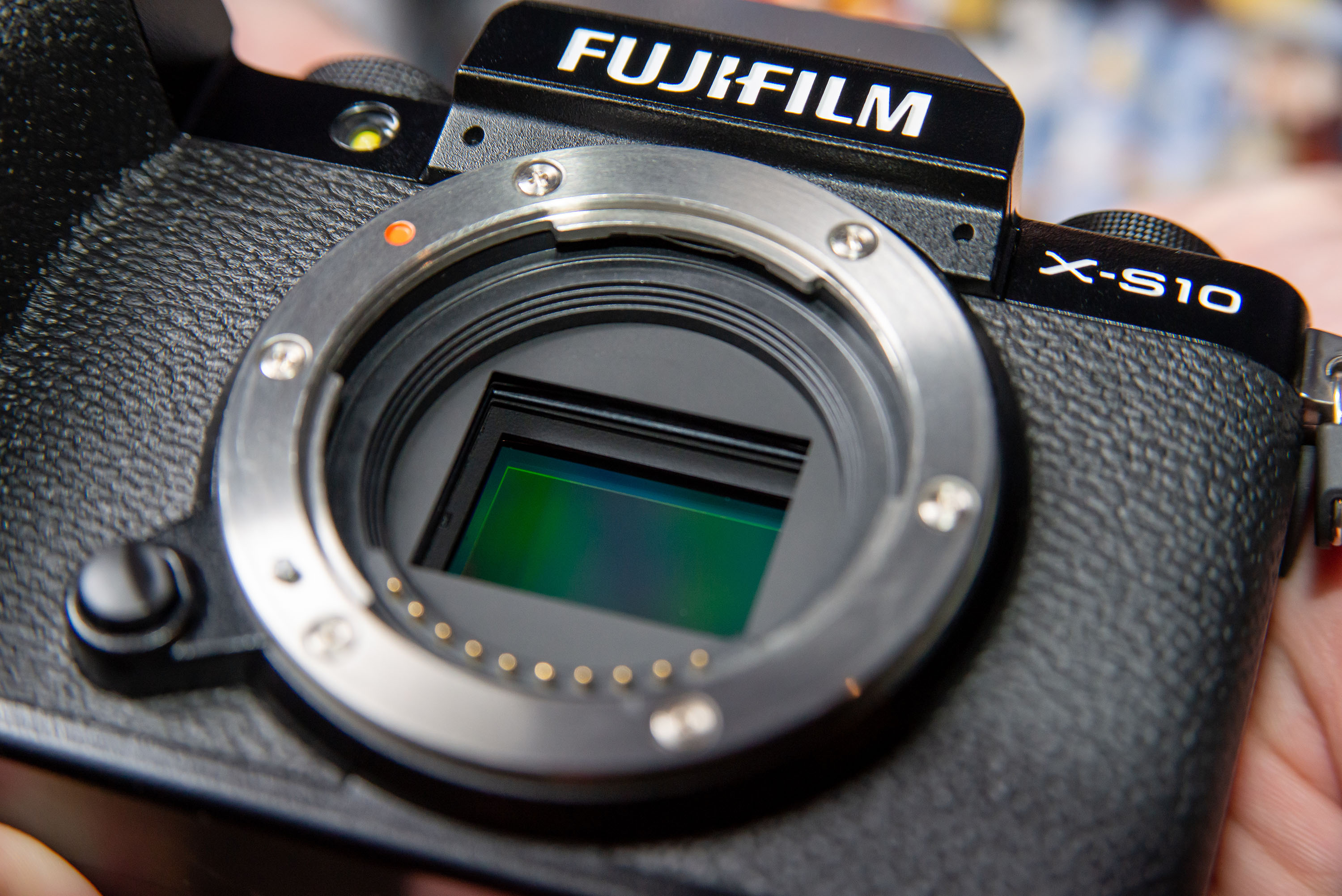 Hands on with the Fujifilm X S10 Small camera, great grip ...