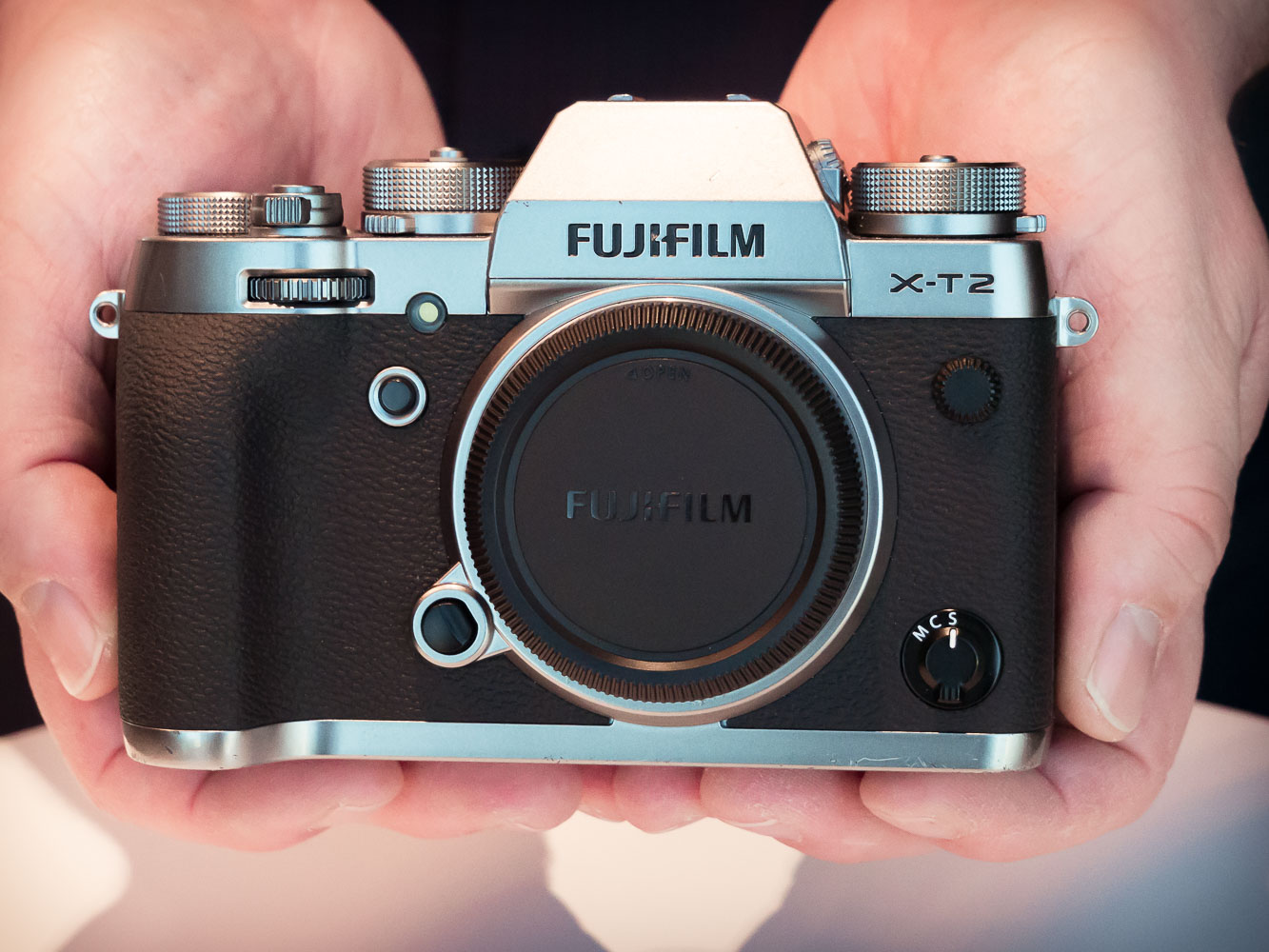 Hands-on with new 'Graphite' Fujifilm X-T2 and X-Pro2 (and